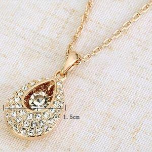 Jewelry - White Crystal Teardrop Necklace